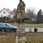 DSC_0004-okolo památníku